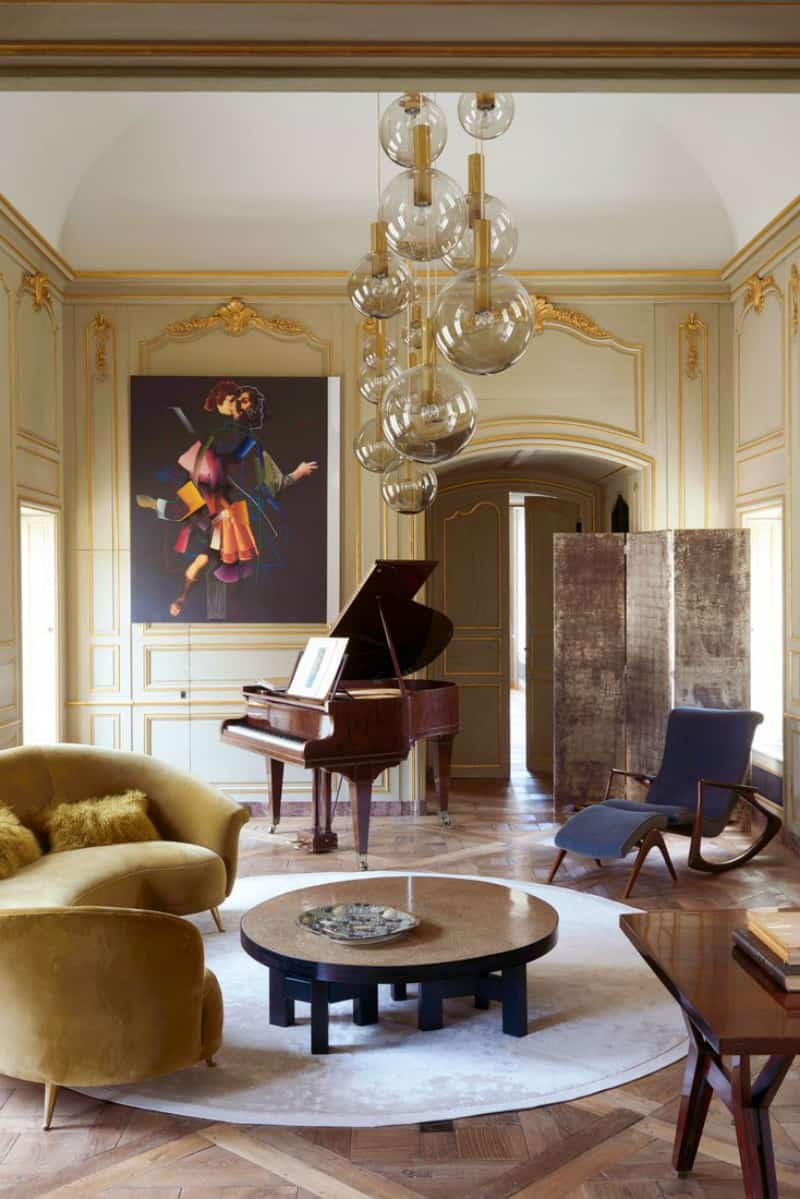 A-16th-Century-French-Château-Updated-With-A-Mid-Century-Twist