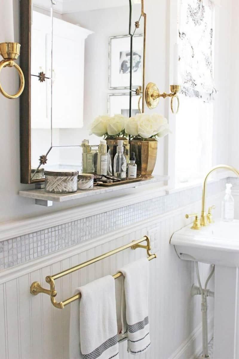 Vintage brass and gold design bathroom