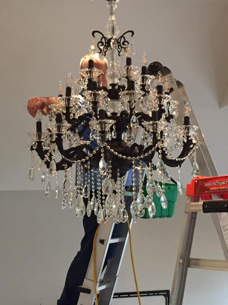 Professional-Chandelier-Cleaning
